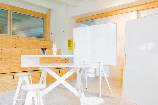 Möbel von space3000 zur einrichtung von Design Thinking Workspaces